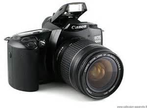 achat appareil photo argentique canon eos 3000 d 39 occasion cash express. Black Bedroom Furniture Sets. Home Design Ideas