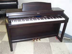 achat piano numerique roland kr 570 d 39 occasion cash express. Black Bedroom Furniture Sets. Home Design Ideas