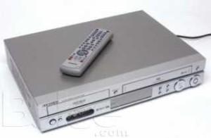 achat combine dvd vhs samsung dvd vr320 d 39 occasion cash express. Black Bedroom Furniture Sets. Home Design Ideas