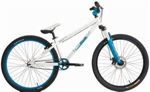 achat velo bmx btwin subsin bleu blanc d 39 occasion cash express. Black Bedroom Furniture Sets. Home Design Ideas