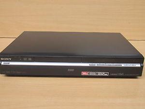 achat lecteur enregistreur dvd hitachi lecteur graveur dvd dd 160go d 39 occasion cash express. Black Bedroom Furniture Sets. Home Design Ideas