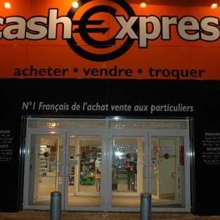 reims neuvillette magasin cash express. Black Bedroom Furniture Sets. Home Design Ideas